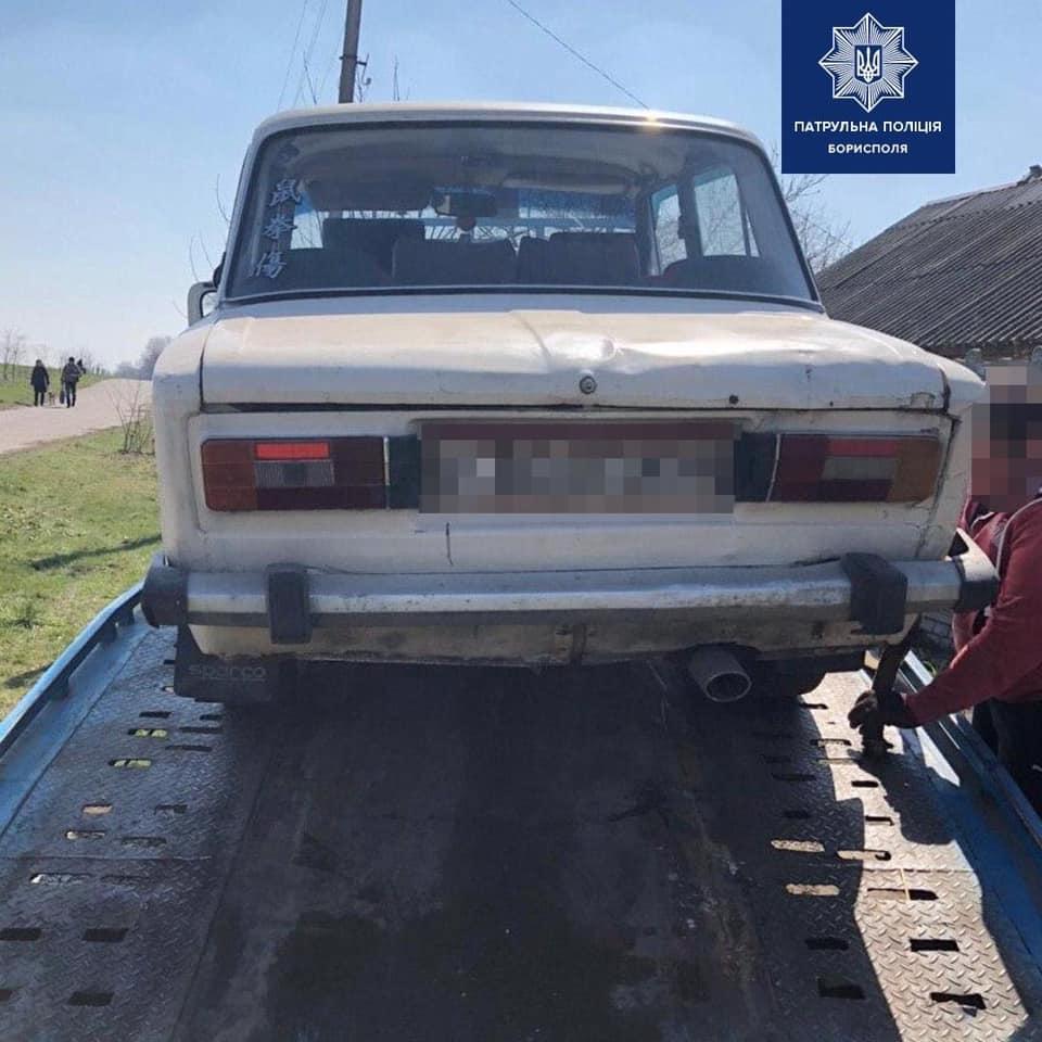 Під Києвом нетверезий водій на «Жигулі» ледь не збив дітей - водій - 02 sosnovka2