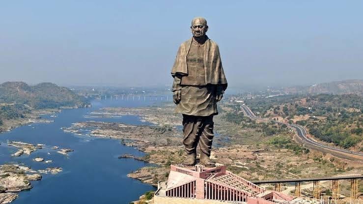 В Індії невідомі спробували продати найвищу статую в світі для «боротьби з коронавірусом» в країні - шахраї, коронавірус - 07 statuya