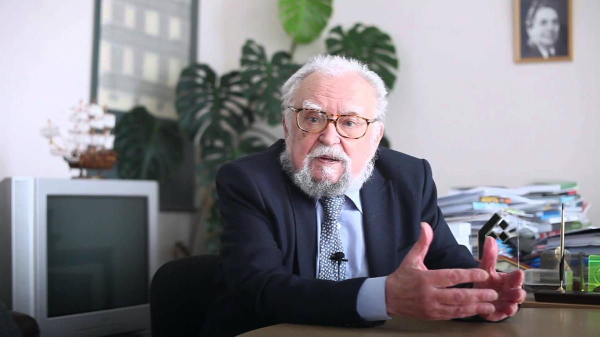 Сьогодні виповнилося б українському філософу і мислителю Мирославу Поповичу 90 років -  - 12 popovych