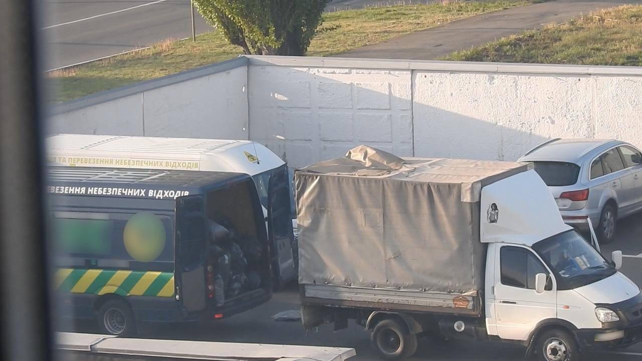 Відходи із київських лікарень вивозили на стихійні сміттєзвалища Київщини -  - 13178