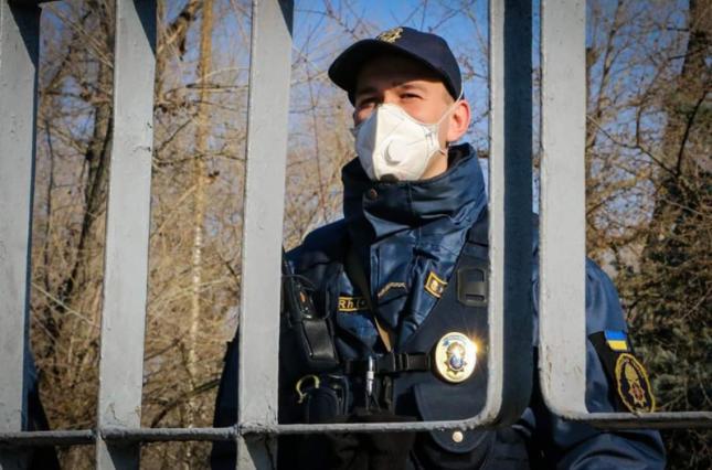 У столиці за порушення карантину  виписали штрафів на майже 100 тис. гривень -  - 254963