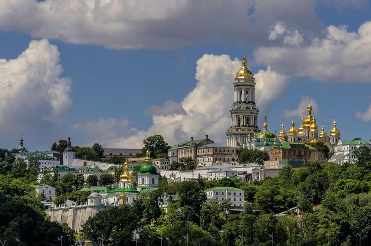 ЗМІ повідомляють про 63 хворих священника Києво-Печерської лаври -  - 41