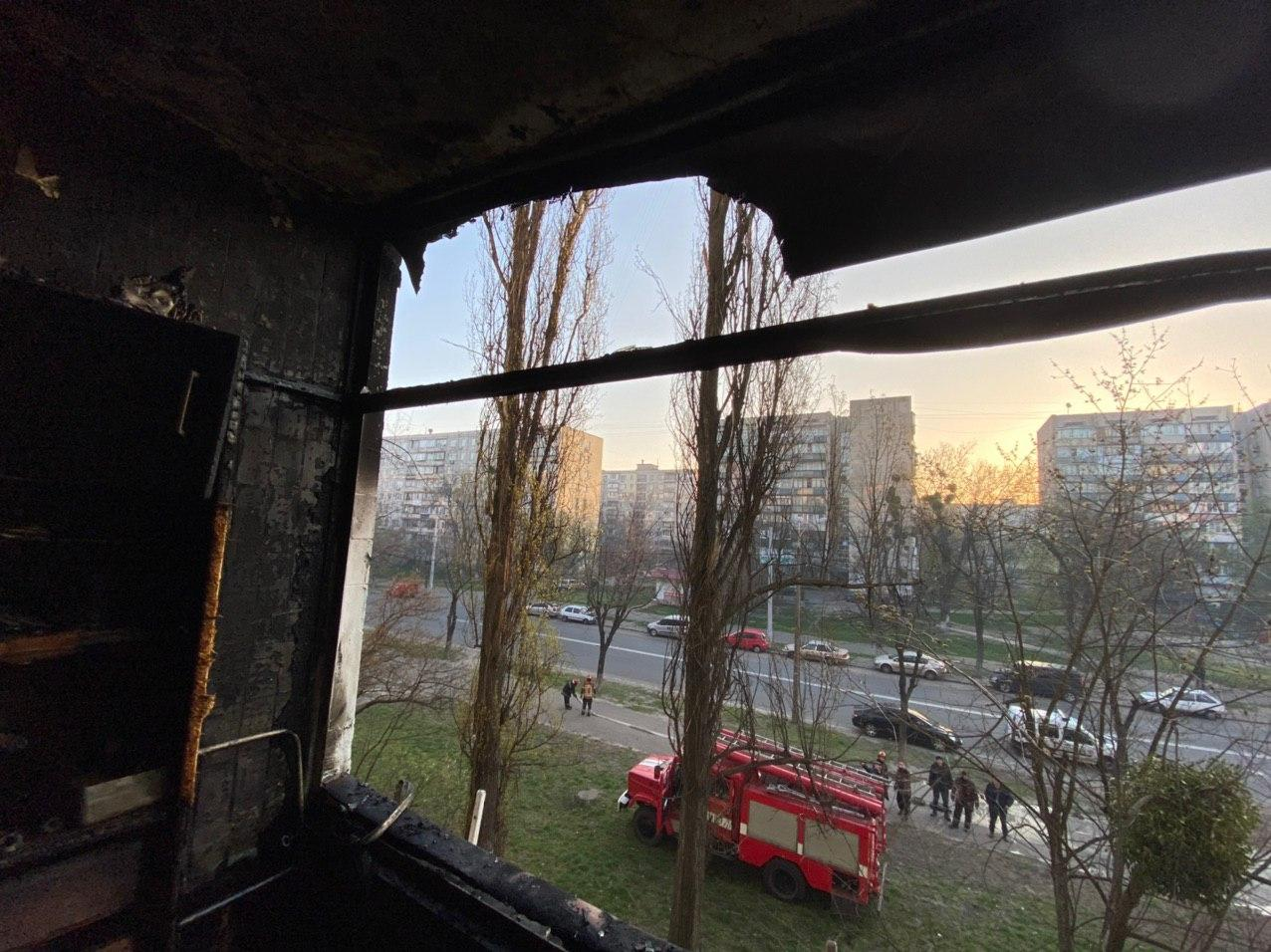Пожежа в багатоповерхівці Києва: врятовано жінку -  - 66224c9bf627b9361e8f035b2d8e2318