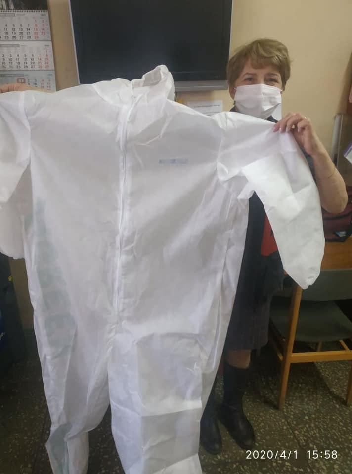 Волонтерська допомога: українським лікарням пропонують безкоштовний одноразовий захисний одяг - українські дизайнери - 91517621 10215214344219636 163534096725704704 n