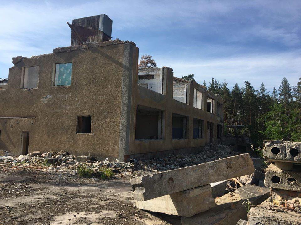 На Броварщині незаконно демонтували та знищили санаторій і дитячий табір: тривають слідчі дії -  - 92467609 3318531531491519 4785295769127092224 o