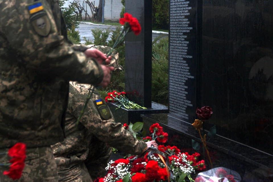 У Білій Церкві воїни 72-ї бригади відкрили меморіал пам'яті полеглих на війні побратимів - Війна на Сході України, Біла Церква - 92637994 2683172581810694 6696665260771770368 n