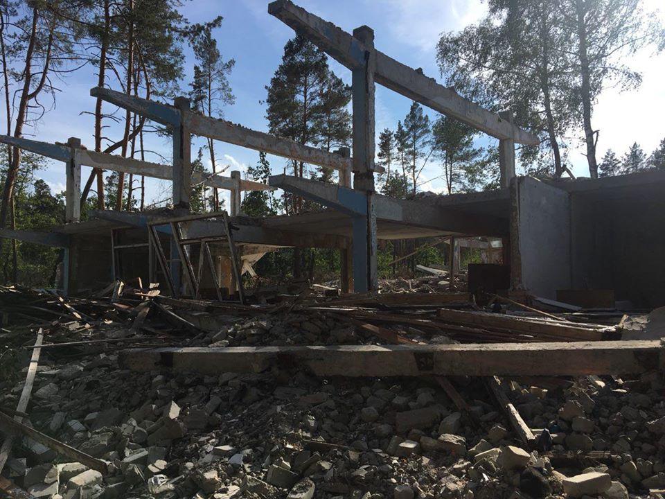 На Броварщині незаконно демонтували та знищили санаторій і дитячий табір: тривають слідчі дії -  - 92644325 3318531878158151 8708516736372047872 o
