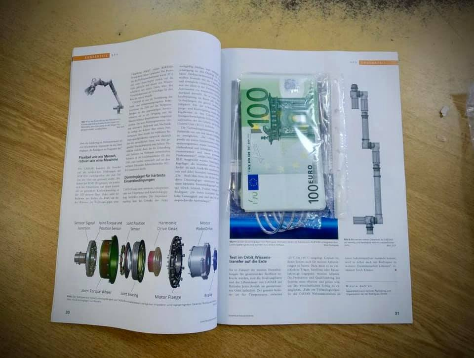 5000 євро від митників переховували в журналі -  - 92666533 3035664086494366 4092809219806330880 n