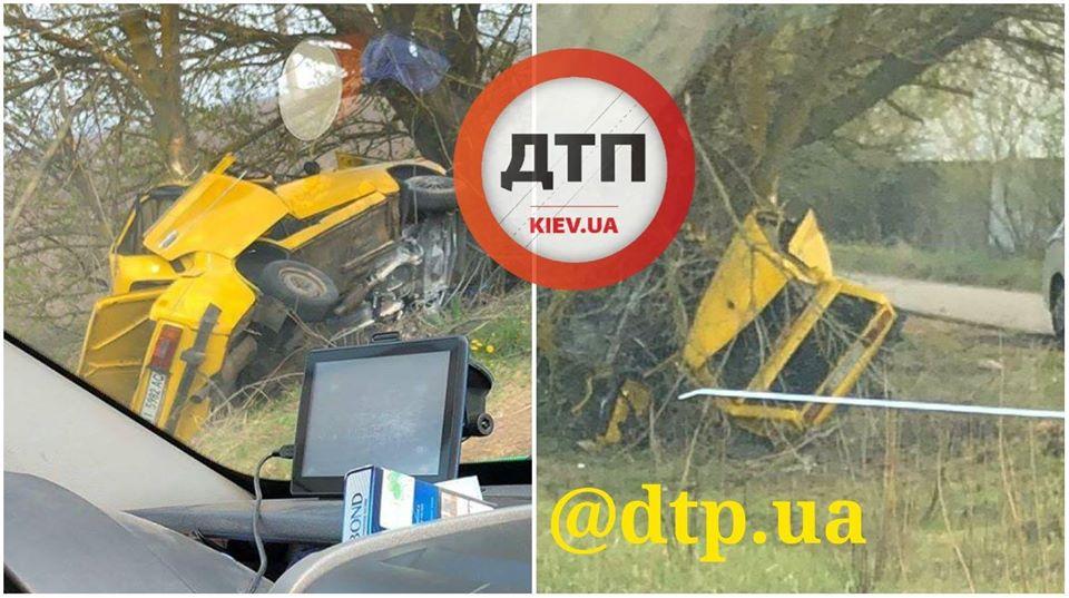Розтрощене авто та двоє в реанімації: ДТП на Бориспільщині -  - 92701618 1638137046352182 7783724713204776960 o