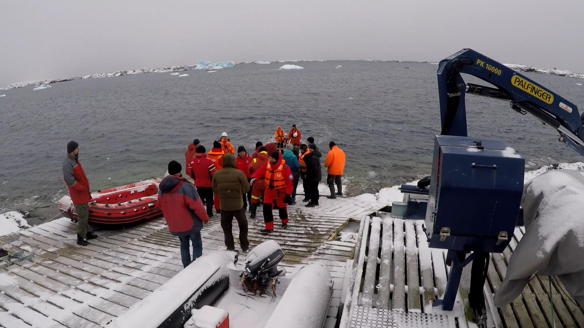 Довга дорога українських науковців до Антарктиди завершилася - Україна, Антарктида - 93576410 1353717654838108 4484859452402434048 o