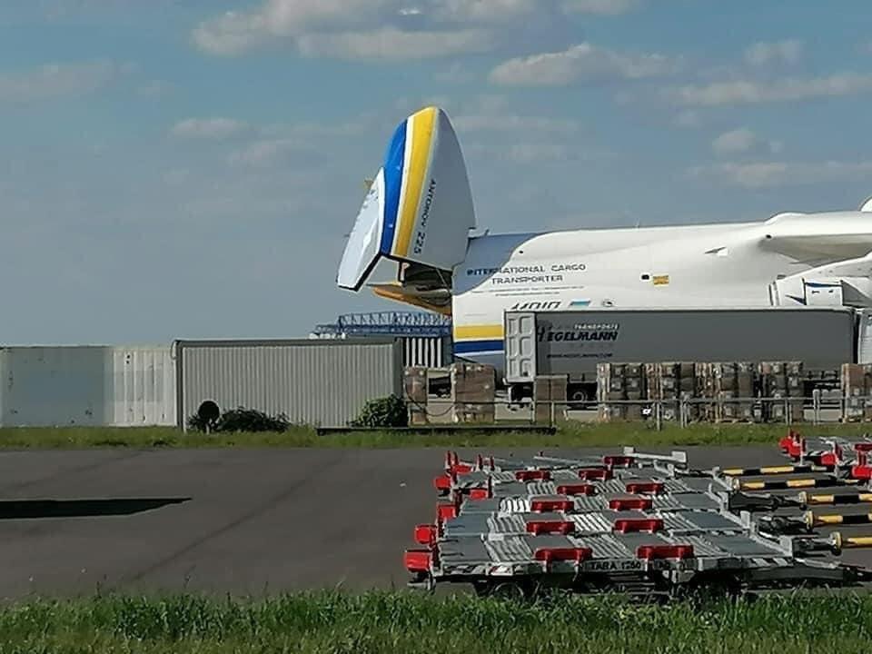 """Український АН-225 Мрія """"проковтнув"""" Boeing 767, вражаючі фото -  - 95330125 166860454790377 90184494920761344 n"""