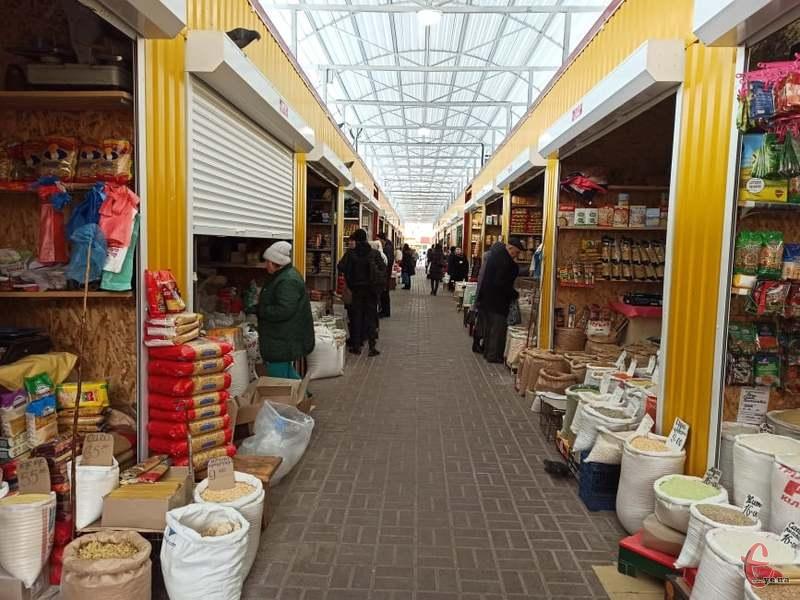 В Україні планують відкрити продовольчі ринки -  - Bez paniki  chi skupovuyit produkti ta chi boyatsya koronavirusu na rinkah v Hmelnickomu 1 2020 03 13 12 36 39