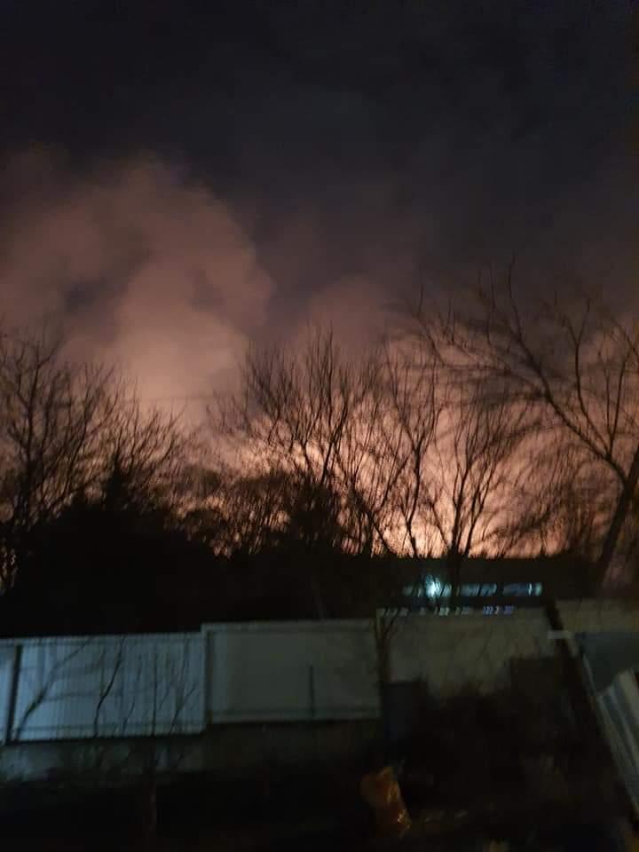 Велика пожежа: біля заправки між Ірпенем і Бучею горіло поле -  - FB IMG 1585802820299