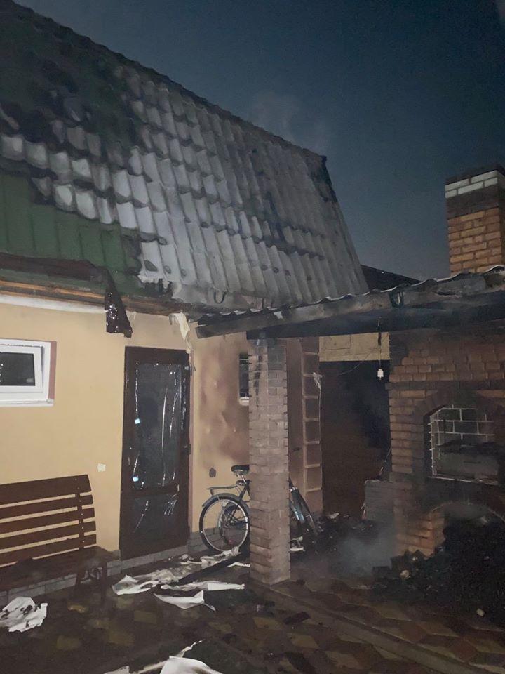 На Броварщині горів житловий будинок: постраждав господар -  - RzP