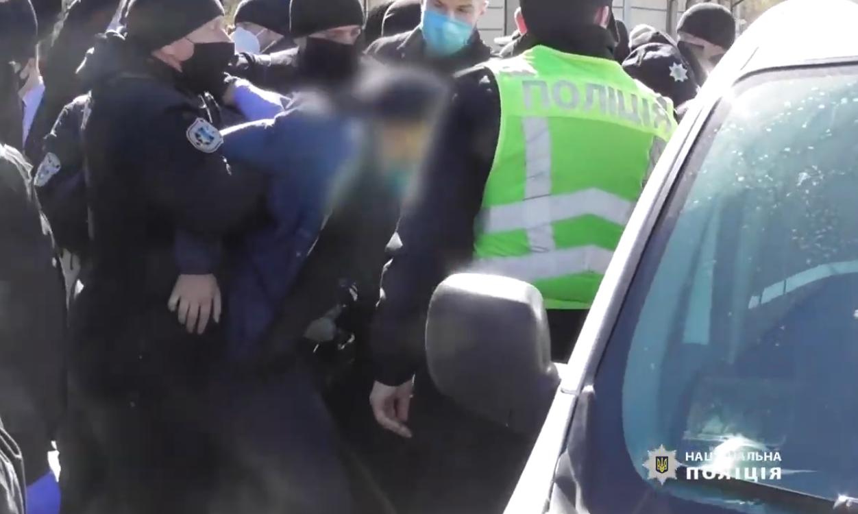 Київський суд оштрафував чоловіка за порушення правил карантину (ВІДЕО) -  - Screenshot 19 1