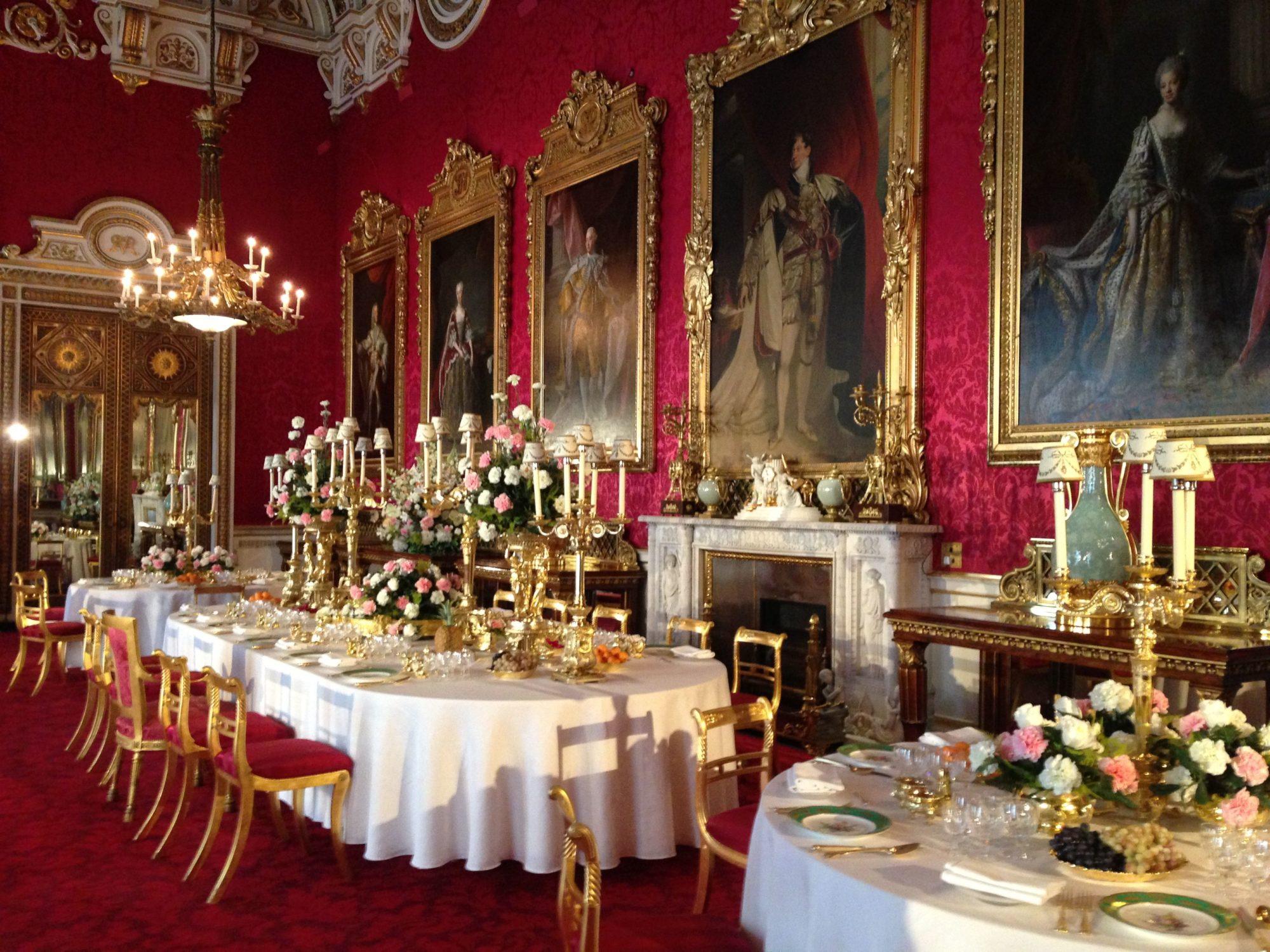 У Букінгемському палаці горітимуть українські свічки -  - c4efc28194baa105cd6c945ffc7854f9 2000x1500