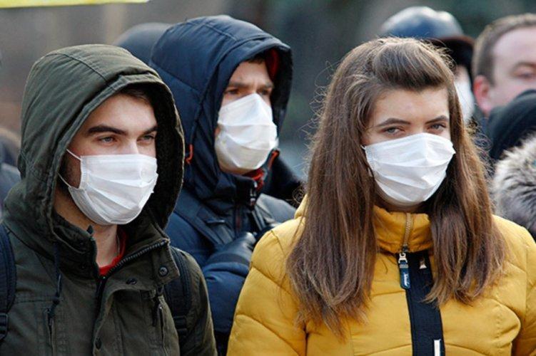 Лише в масці і не більше, ніж удвох: посилення карантину з 6 квітня