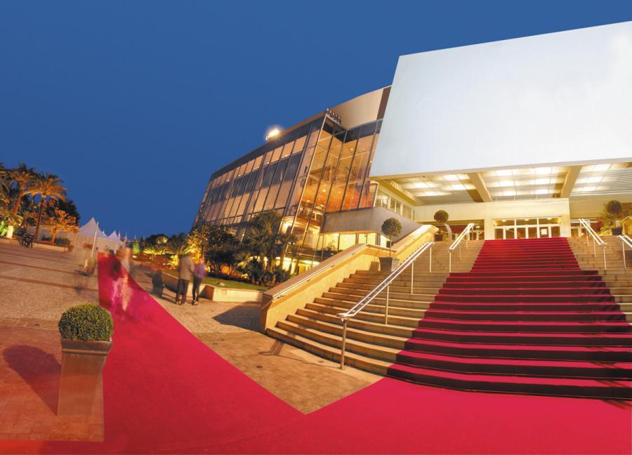 У зв'язку із пандемією Каннський фестиваль перенесено на невизначений строк -  - palais des festivals et des congres de cannes 21746803