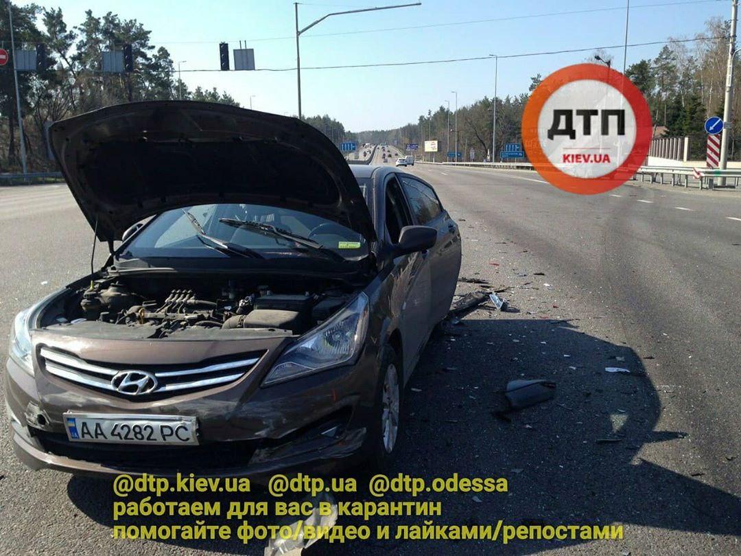 Не вписався у поворот: деталі ДТП під Києвом -  - photo 2020 04 02 12.54.31