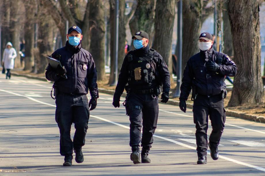 З початку карантину поліція склала чотири тисячі адмінпротоколів -  - policia v maskah