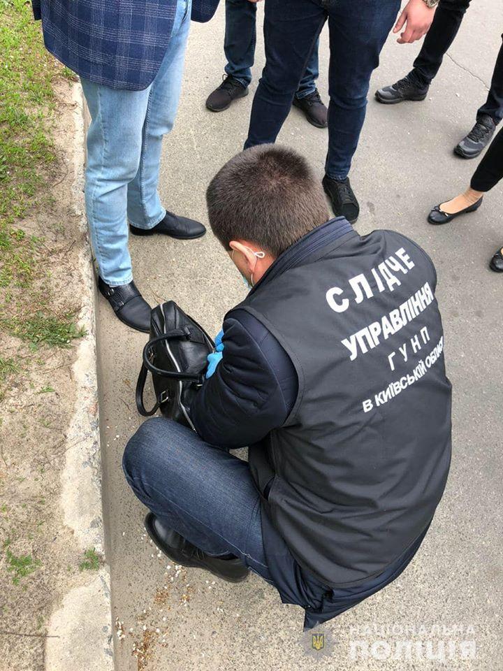 Поліцейські спіймали правозахисника  на хабарі «для поліції» - хабар, Поліція, неправомірна вигода, київщина, затримання, Вишгородщина, адвокат - polits3