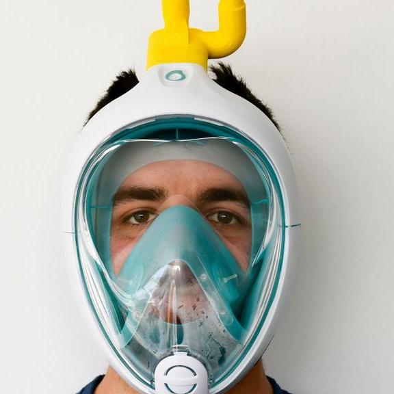 В Україні волонтери створили захисні маски з масок для дайвінгу -  - unnamed 1