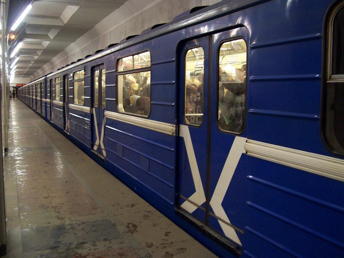 Підлітки, що побили юнака у вагоні столичного метро, отримали підозру - підлітки, метро, Київ - 24491 1 large