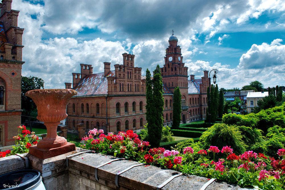 chernivtsi1 П'ятірка українських місць, схожих на світові курорти