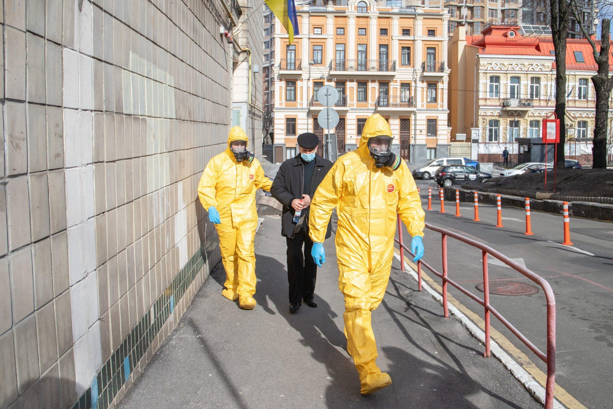 Коли очікувати пік пандемії в Україні: прогнози вчених КПІ - пандемія, коронавірус - pik pandemiyi 2000x1334