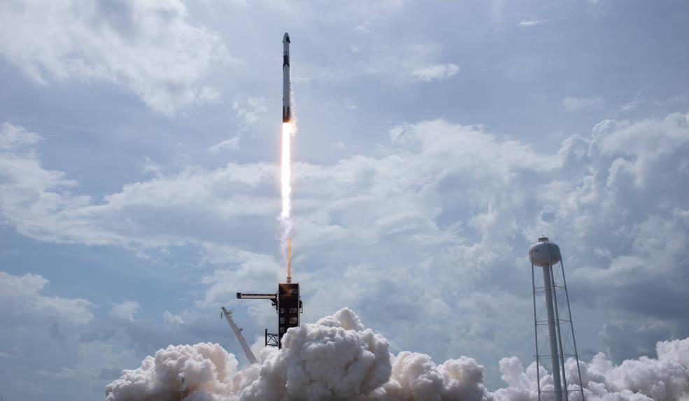 «Батут працює»: на вихідних відбувся історичний запуск SpaceX Crew Dragon - Ілон Маск, NASA - 01 zapusk