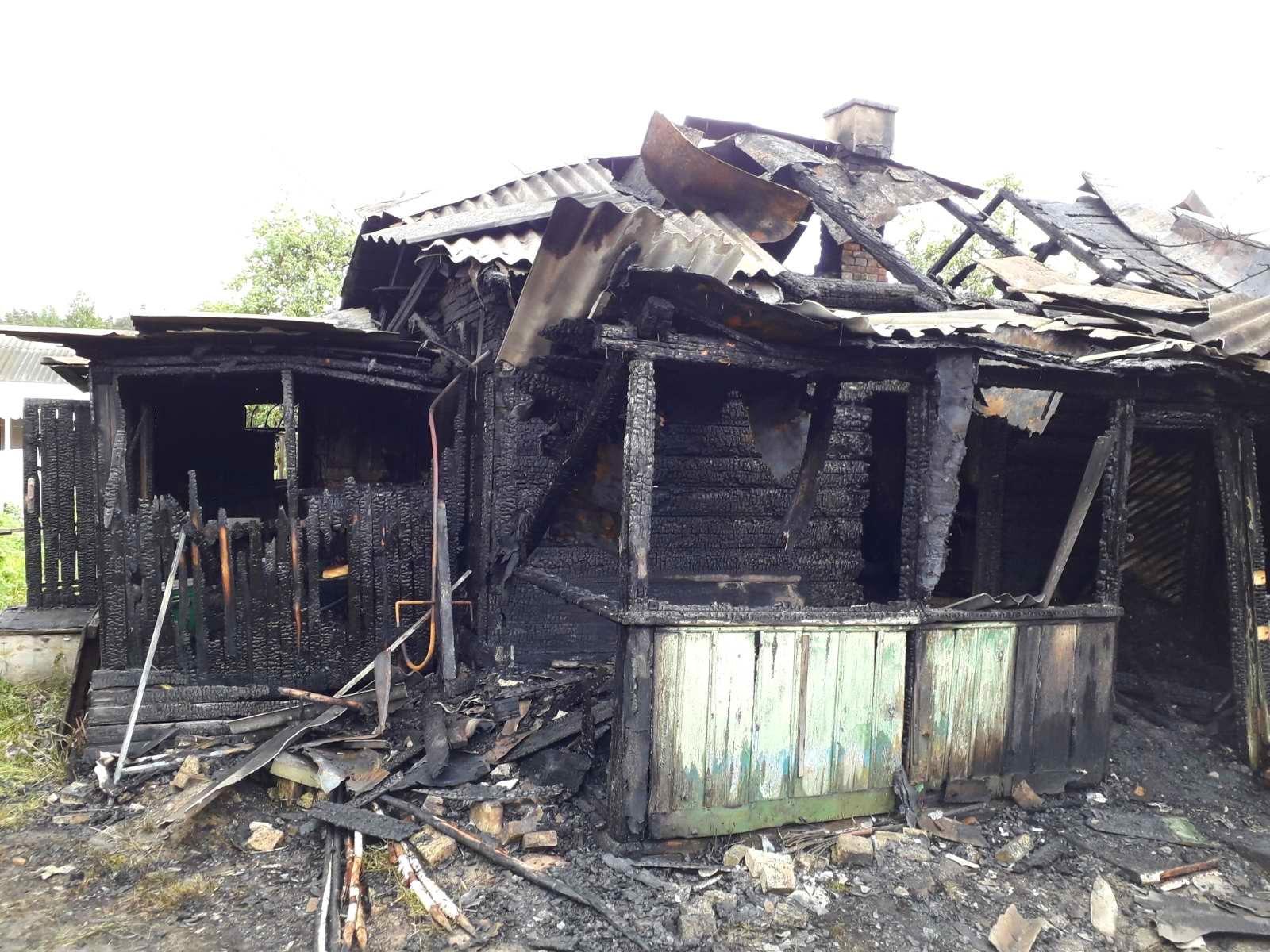 На Київщині 65-річний чоловік загинув під час пожежі у власному будинку - пожежа будинку, Пісківка - 02