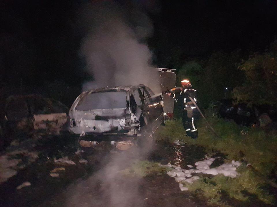 У Києві за ніч згоріли три елітні автомобілі - пожежа, Київ - 103208858 3024842484262340 506676935502266286 o