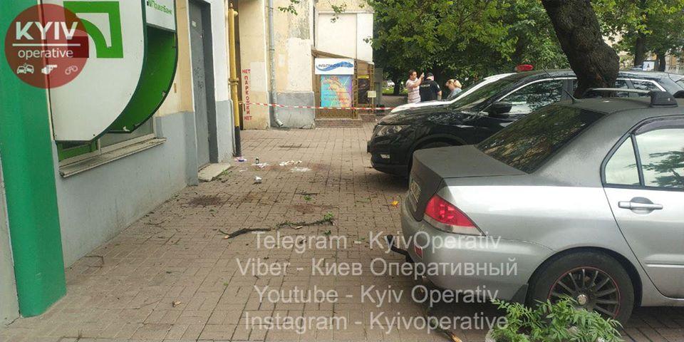 У Києві жінка разом з дитиною вистрибнула із вікна -  - 104609052 1014648135597939 8205025953806138903 o