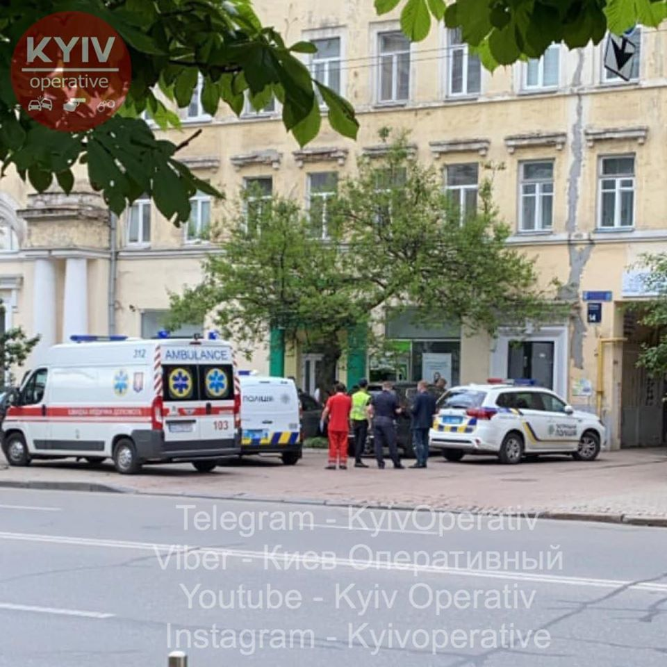 У Києві жінка разом з дитиною вистрибнула із вікна -  - 104944344 1014648122264607 6459384204151604189 o