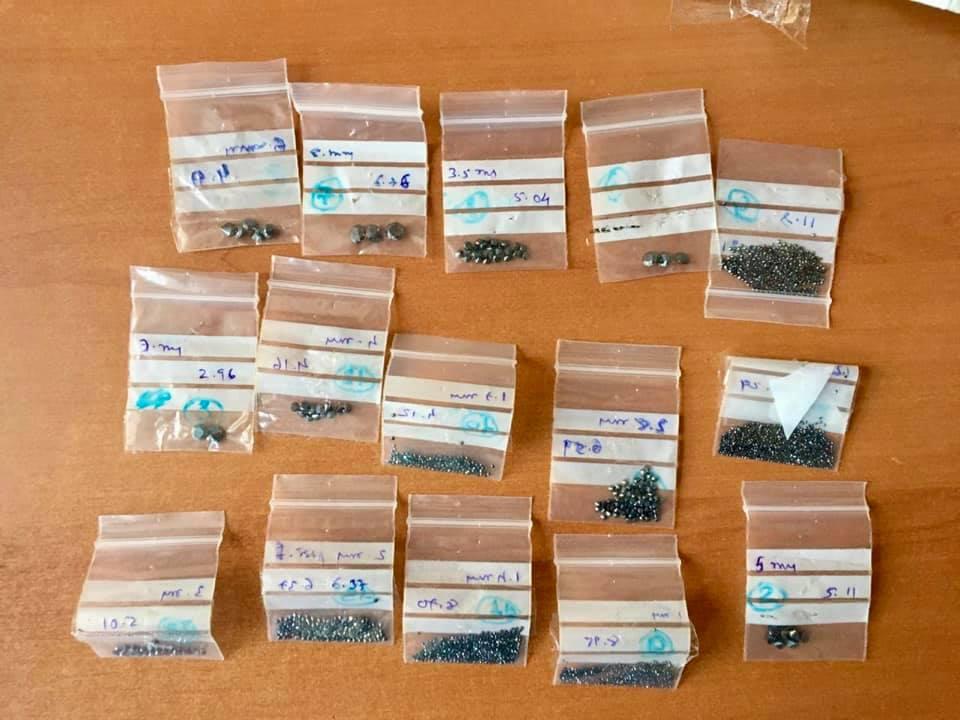 Чорні діаманти у посилці з Індії в Україну вартістю 8 $ -  - 106047764 3229730897087683 4611655169921836234 n