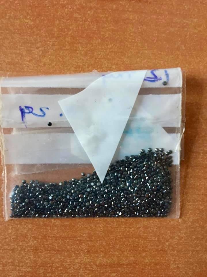 Чорні діаманти у посилці з Індії в Україну вартістю 8 $ -  - 106124721 3229731183754321 8193924984349899492 n