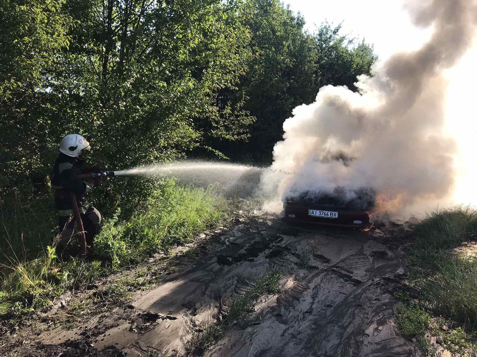 У Сквирському районі горів легковик та сіносховище - сквира пожежі - IMG 44675e4869ea827bab518ad236149add V