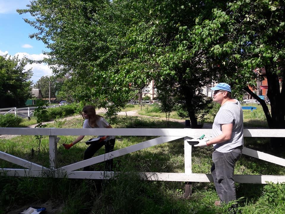 В Ірпені обновили паркан у сквері Героїв Небесної сотні - Україна, Паркан, ірпінь - Irpin6