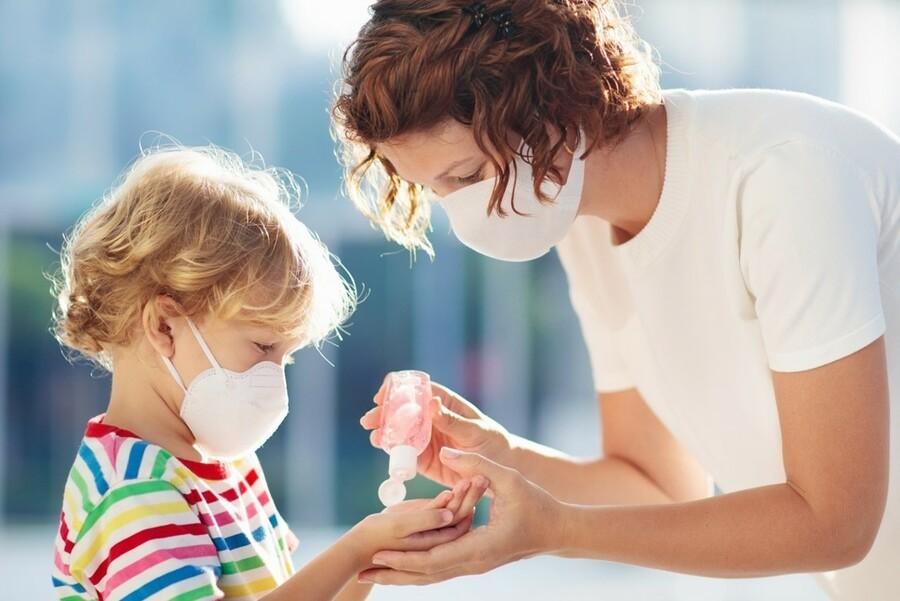 В Україні від коронавірусу вилікувалося більше 900 дітей -  - Karantyn Polsca 2 etap wyjscia