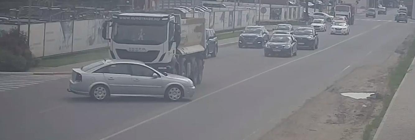 ДТП у Крюківщині: вантажівка наїхала на авто - ДТП - Snymok ekrana 2020 06 09 v 16.39.18