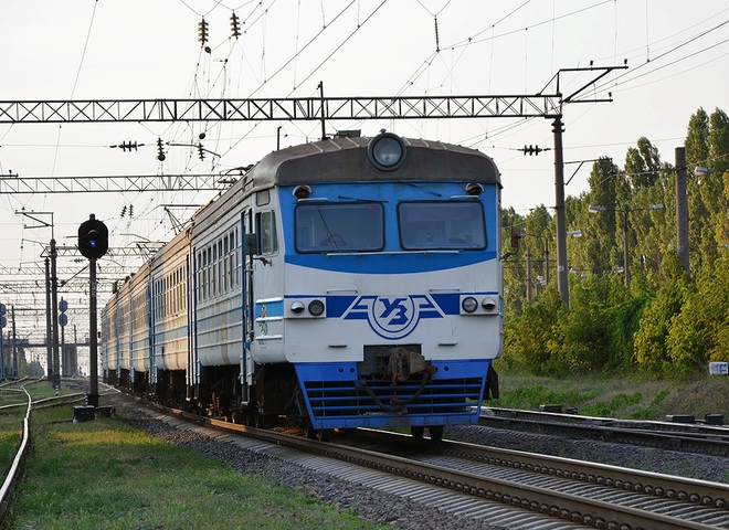 На вихідні та День Конституції курсуватимуть додаткові регіональні поїзди - Укрзалізниця, регіональні поїзди - bdc zaliznelektr