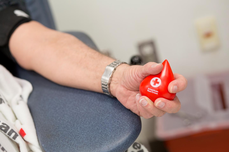Сьогодні – Всесвітній день донора крові -  - donor blood transfusion donor krov medychne transfuziya perelyvannya. American Red Cross