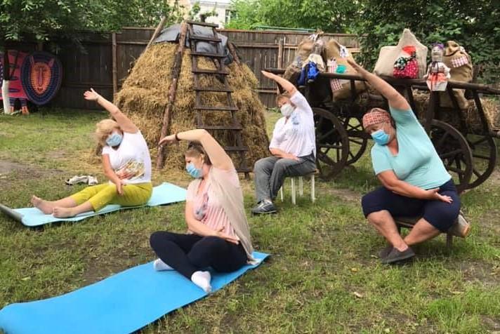 Практики йоги у Вишгородському музеї - київщина, Вишгород - joga1 ob