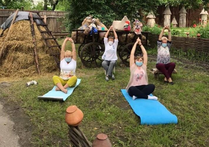 Практики йоги у Вишгородському музеї - київщина, Вишгород - joga2 ob