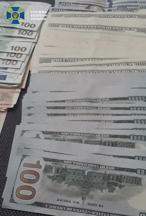 На Київщині діяв конвертцентр, що переводив у тінь сотні мільйонів гривень -  - n 7732 65578364