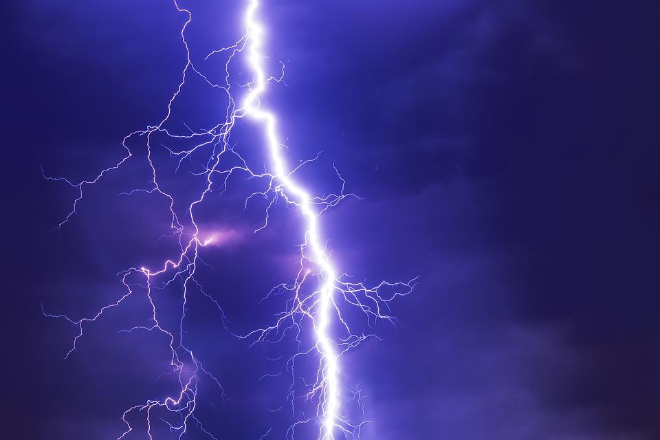 Новий рекорд: зареєстрована найдовша блискавка в історії людства - природнє явище, найдовша блискавка, ВМО, Аргентина - 02 molnyya