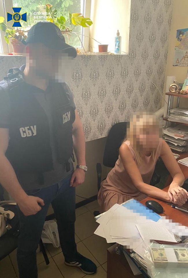 У Борисполі приватний землевпорядник вимагала хабар - хабар, землевпорядник, Бориспіль - 106093377 2343175335985647 6360448006813721565 o