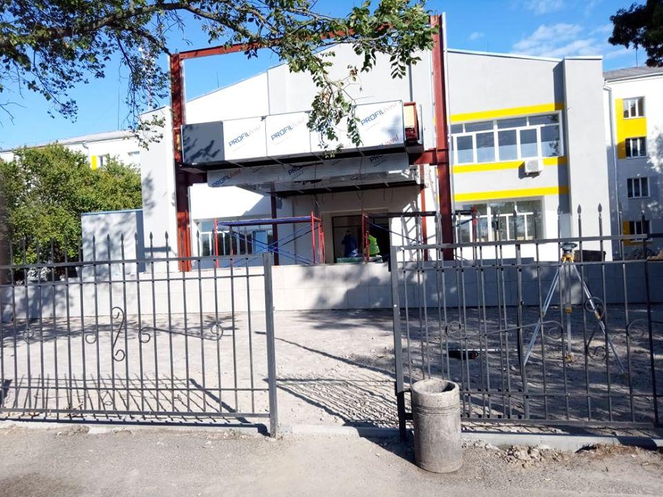 Оновлену бориспільську лікарню планують відкрити в липні - ремонт лікарні, лікарня, Бориспіль - 107017662 152287079845697 8927493113208914251 o