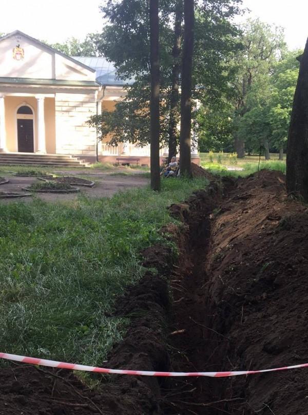 У дендропарку «Олександрія»  пошкодили залишки фундаменту палацу Браницьких - Біла Церква - 107570765 775939343143029 8057502683773316517 n
