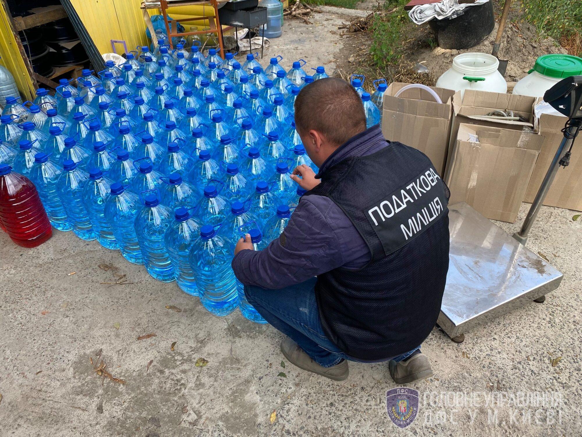 Кілька тонн фальсифікованого алкоголю: на Київщині діяв підпільний цех -  - 107636222 3416914851675814 5841849682862542515 o 2000x1500